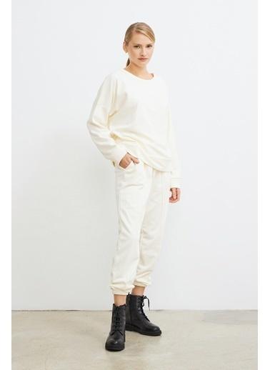 Love My Body Sırtı Kruvaze Kapamalı Sweatshirt Beyaz